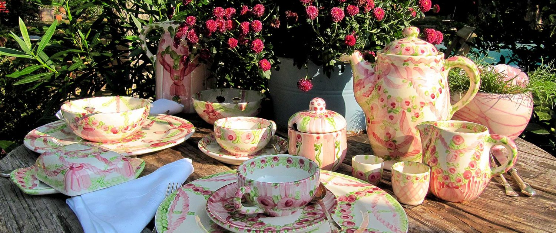 Geschirr-Familie Arrosa-Berdea von Unikat-Keramik Hernuss