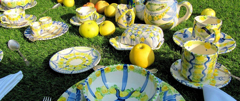 Geschirr-Familie BluHoria-Berdea von Unikat-Keramik Hernuss