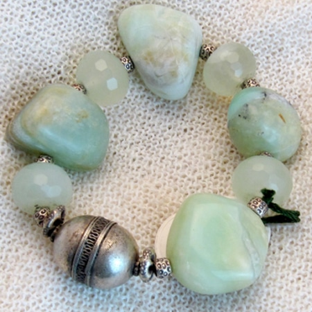 Armband mit Aquamarin und Silberteilen